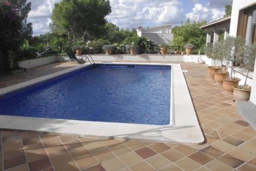 Anspruchsvolle Villa in Bendinat mit Pool und Meerblick