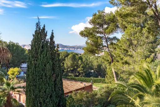 Hübsche Villa mit Teilmeerblick in bester Lage