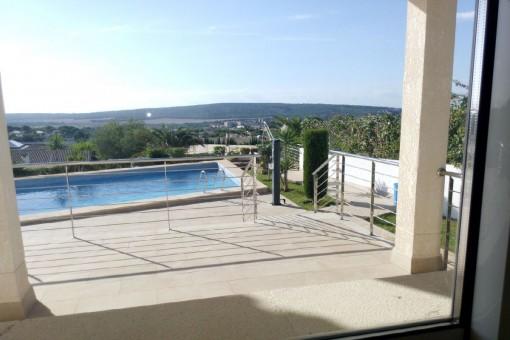 Zugang zum Pool