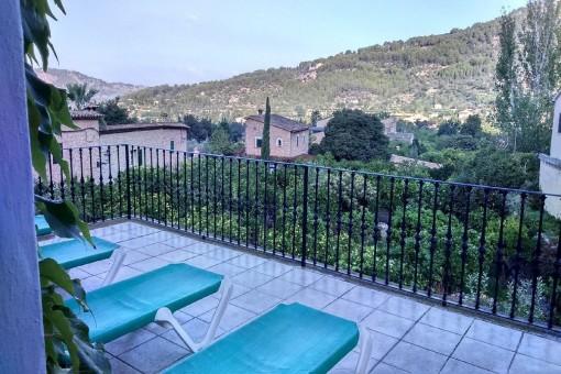 idyllisches haus in den bergen von soller zu mieten. Black Bedroom Furniture Sets. Home Design Ideas