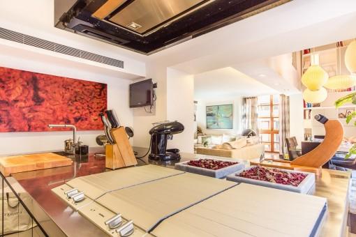 Blick auf den Wohnbereich von der Küche aus