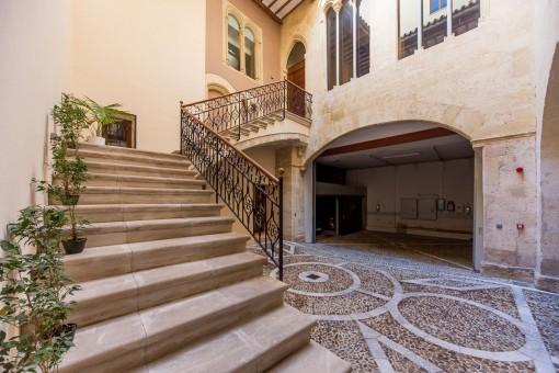 Wunderschöne, kürzlich renovierte Maisonettewohnung im Herzen La Lonjas in der Altstadt von Palma