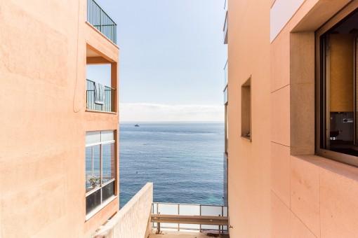 Blick auf das Mittelmeer von der Terrasse aus