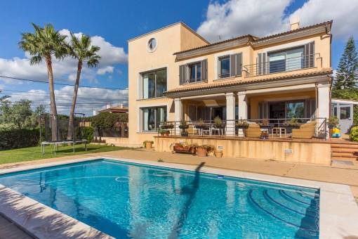 Großartige moderne Villa in dem schönen Dorf Sa Cabaneta