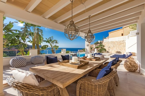 Neubau-Luxusvilla im Beachhouse-Stil mit Meerblick in Puerto de Andratx