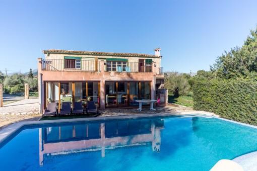 Charmantes Haus in rustikalem Stil mit 3 Schlafzimmern, Pool, Terrasse & fantastischer Aussicht, Pollença