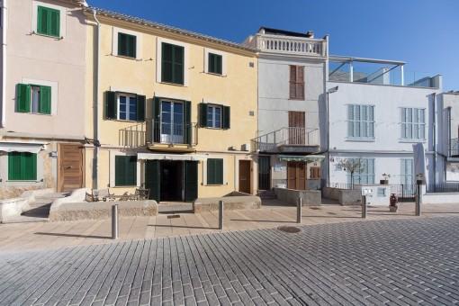 Aussergewöhnliches und renovierungsbedürftiges Objekt in 1A Lage direkt am Strand von Portixol