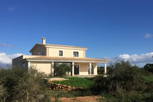 Exklusive Neubau-Finca mit Meerblick Nähe Cala Morlanda