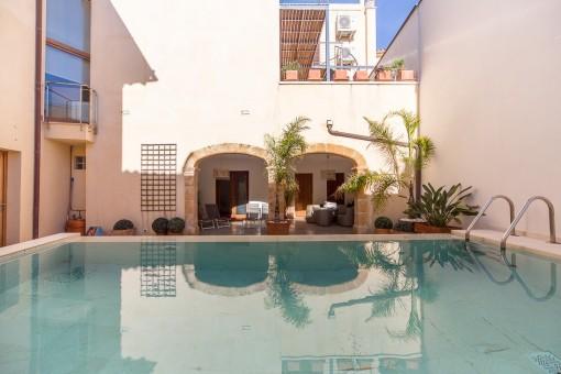 Exklusives Anwesen mit Pool