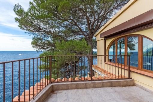 Villa in spektakulärerer Lage oberhalb des Meeres in Banyalbufar