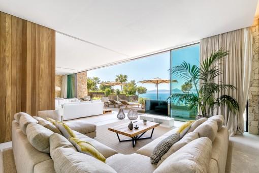 Edle Villa in erster Linie in Son Veri Nou mit Blick auf die Bucht von Palma