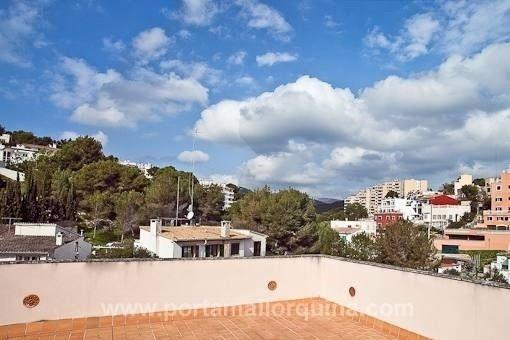 Tolles Luxus-Penthouse mit Garagenparkplatz, Pool und großer Dachterrasse in La Bonanova