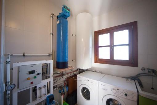 Abstellkammer mit Waschmaschine