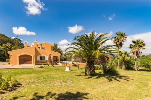 Komfortable Neubaufinca bei Alcúdia mit Pool in bevorzugter Wohngegend und Panoramabergblick