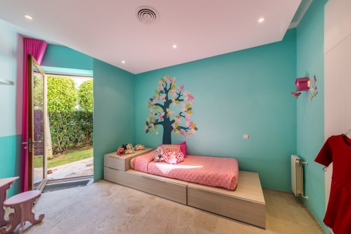 Kinderzimmer mit Gartenzugang