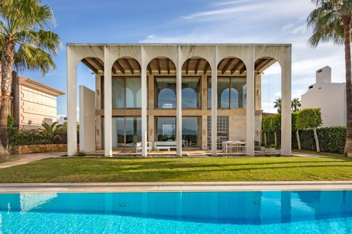 Elegante Villa in erster Meereslinie in Son Veri Nou mit Blick auf die Bucht von Palma