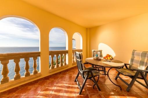 Beeindruckende Wohnung in erster Meereslinie in Vallgonera
