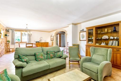 Die Finca hat eine Wohnfläche von 350 qm