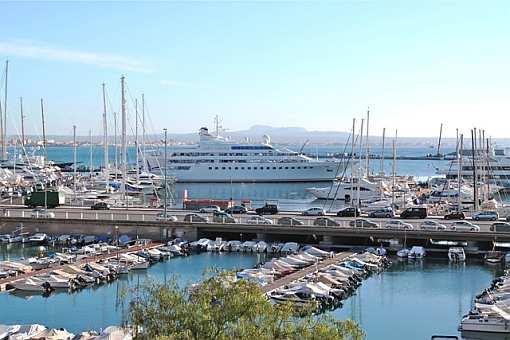 Luxuswohnung am kleinen Hafen von Can Barbara