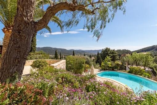 Blick über es Capdella von der Terrasse aus