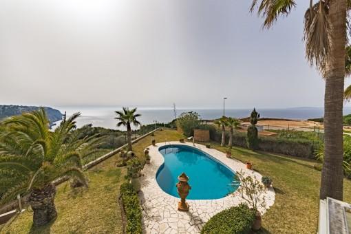 Traum-Villa in 1. Meereslinie mit spektakulärem Blick auf die Bucht von Palma