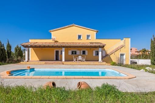 Schöne Villa mit Einliegerwohnung und Weitblick aufs Meer in Sa Torre