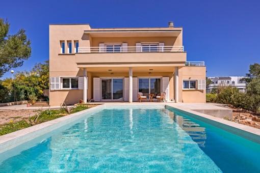 Moderne Villa mit Meerblick in Cala Pi