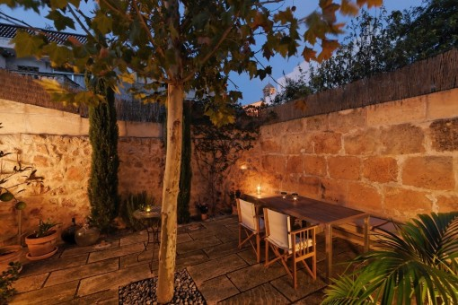 Terrasse bei Nacht