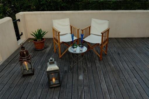 Eleganter Loungebereich auf der Terrasse