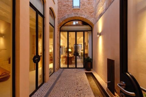 Traumhaftes Designer-Stadthaus mit Dachterrasse in Llucmajor