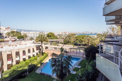 Schöne kleine Wohnung in einer Wohnanlage mit Pool zentral am Paseo Maritimo
