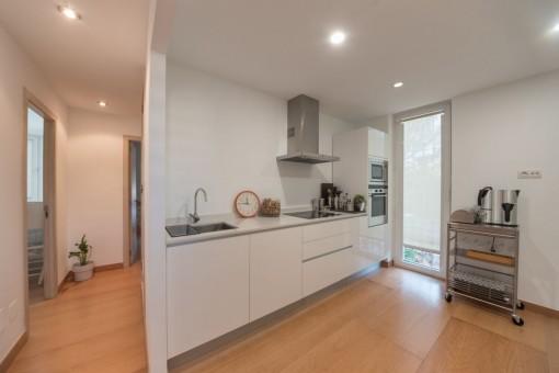 Küche und Flur zu den Schlafzimmern