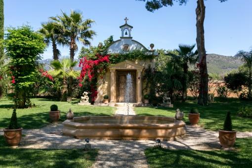 Private Kapelle auf dem Grundstück