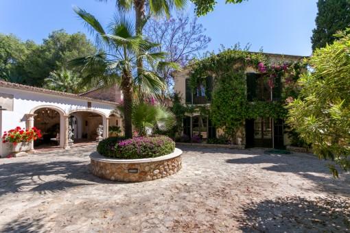 Luxuriöse Finca mit Pool und Garten in Binissalem