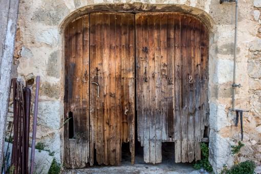 Zugang zu einem der Gebäude