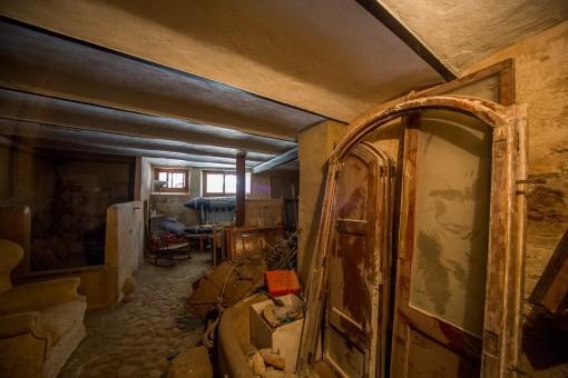 Großzügiger Stauraum im Keller