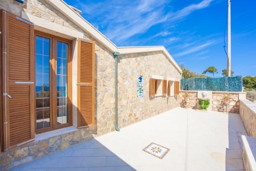 Terrasse mit Blick auf das Mittelmeer