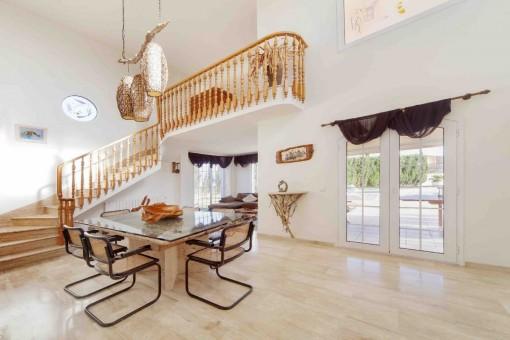 Majestätisches Ess-und Wohnzimmer