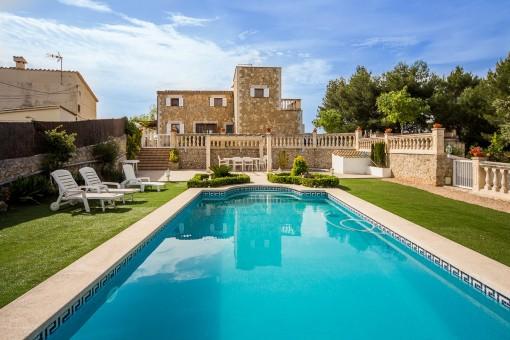 Wunderschöne Villa mit Meerblick und Pool in erhöhter, ruhiger Lage in Establiments