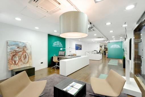 Büro mit Loungebereich