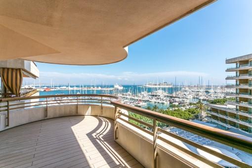 Beeindruckende, hochwertige Wohnung, exklusiv gestaltet und mit Blick auf den Paseo Maritimo
