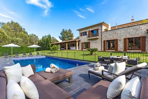 Hochwertige Villa mit schönem Grundstück in Santa Ponsa