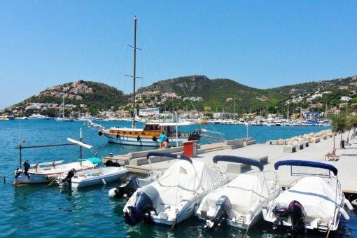 Einer der bekanntesten Häfen der Insel - Puerto Andratx