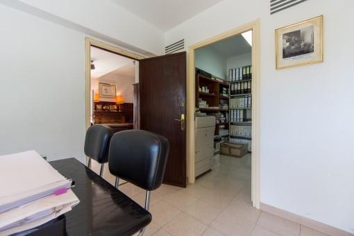 Ein weiterer Büroraum