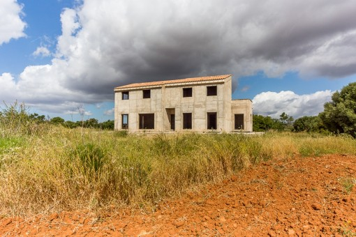 Traumlage mit Rohbau nahe Es Trenc