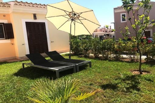 Doppelhaushälfte mit Dachterrasse und Privatgarten in