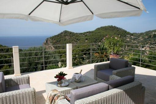 Loungebereich mit wunderschönem Meerblick