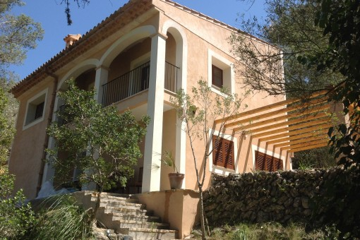 Modernes Landhaus mit toller Aussicht in bester Lage von Puigpunyent