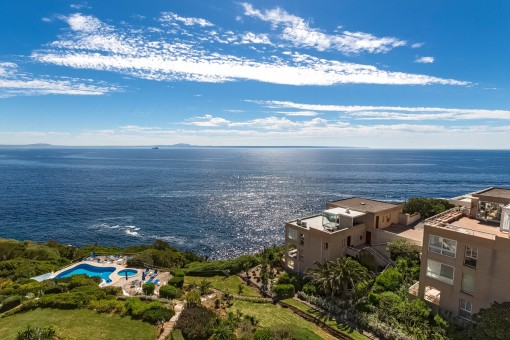 Penthouse mit großer Terrasse und beeindruckendem Meerblick in Cala Vinyas