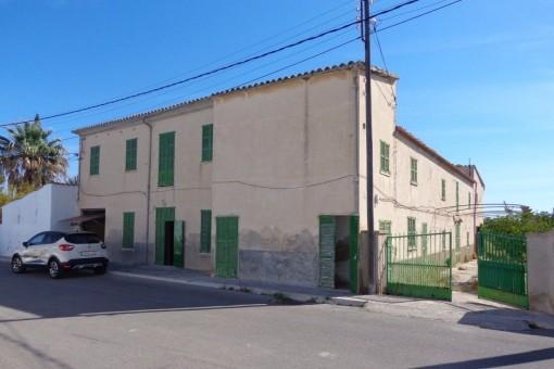 Renovierungsbedürftiges Landhaus mit großem Grundstück ideal für Investoren, in Palmas Umland